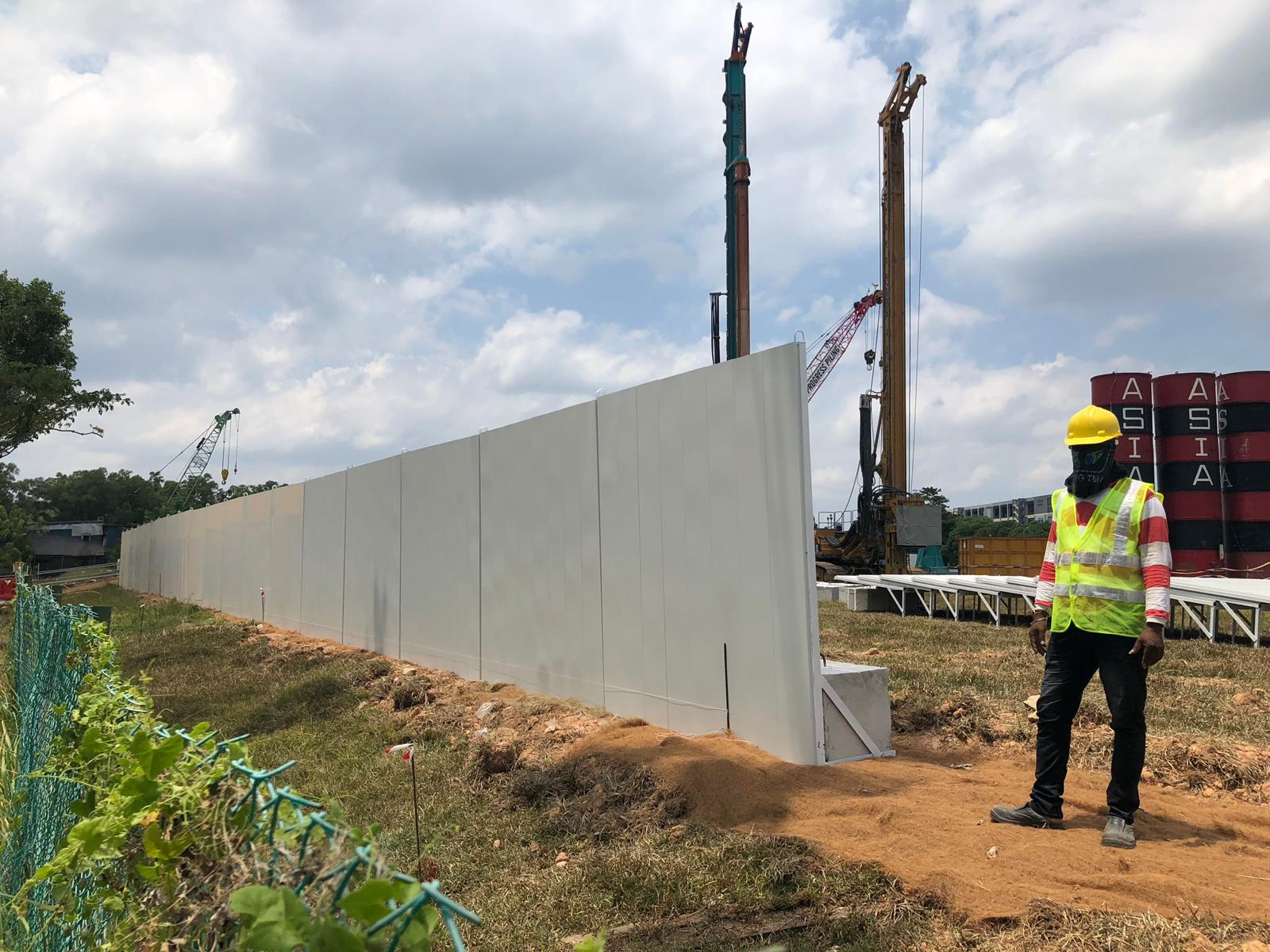 Temporary Hoarding and Noise Barriers